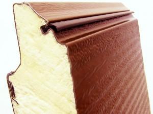 полотно ворот изготавливается из сэндвич панелей