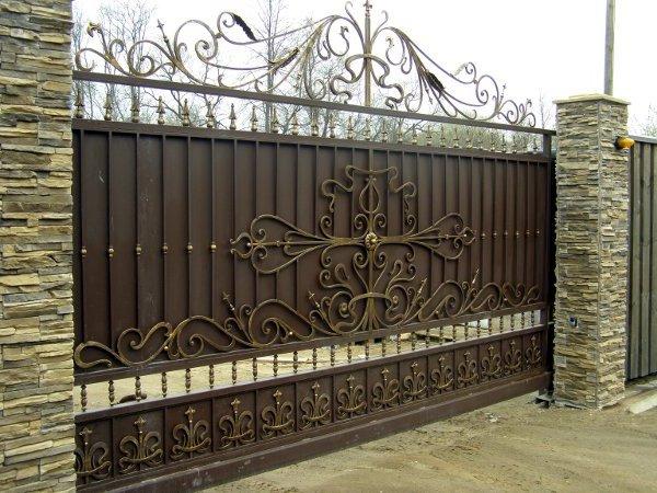 плюсы и минусы кованых откатных ворот